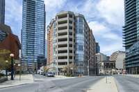 20 Collier Street #1008, Toronto, ON M4W 3Y4 3 Bedroom Apartment for Rent for $6,395/month