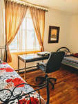 Boys, shared room for 2 or Place ina shared near metro Parc/Monk