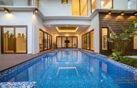 Luxury House and Lot in Mactan with 5 BR& 5T&B with access on Whitesands beach
