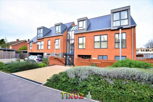 2 bedroom retirement property for rent in Ruxton Close, Swanley, BR8