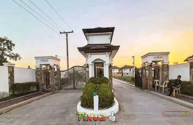 3 Bedroom House in an Exclusive Subdivision in Subic Town Proper (Nearest beach 3kms away)